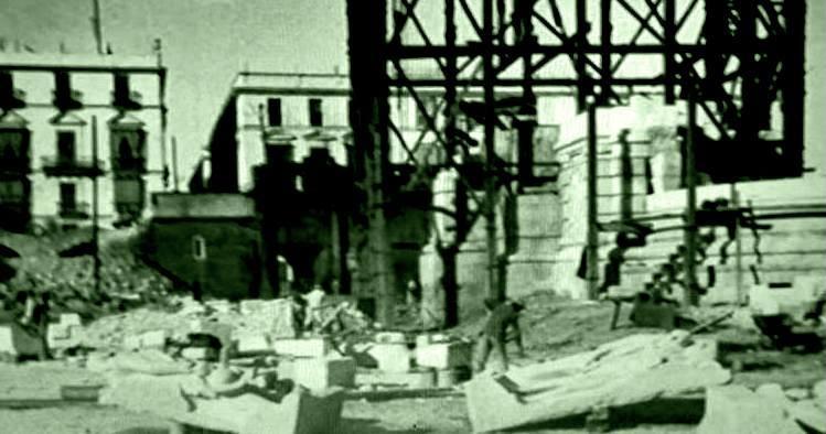 Construcción-del-Monumento-a-la-Constitución-del-1812-fotos-antiguas-de-cadiz