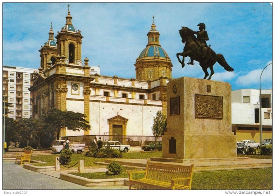 Plaza-de-San-José.-Años-70-fotos-antiguas-de-cadiz